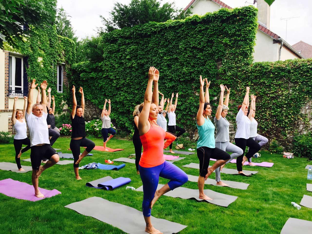 yoga en ext rieur l 39 esprit de lau